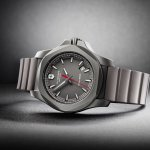 Victorinox-Swiss-Army-INOX-Titanium-241757-Ambiance-Lionel-Meylan-Vevey