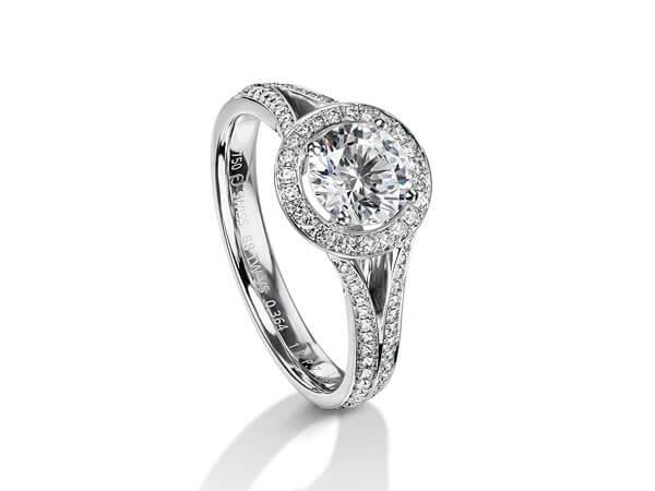 Alliance sertie de diamants