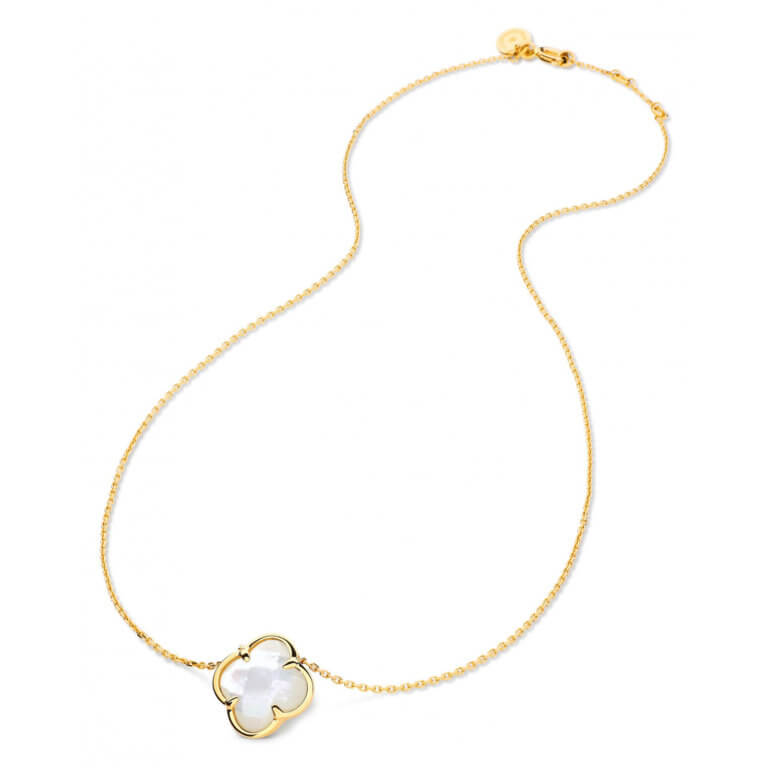 Morganne Bello - Victoria, yellow gold necklace set with a white mother-of-pearl clover